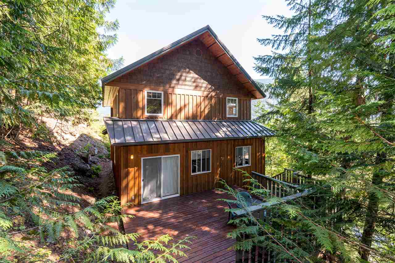 Detached at 7453 BEECHWOOD DRIVE, Pemberton, British Columbia. Image 18