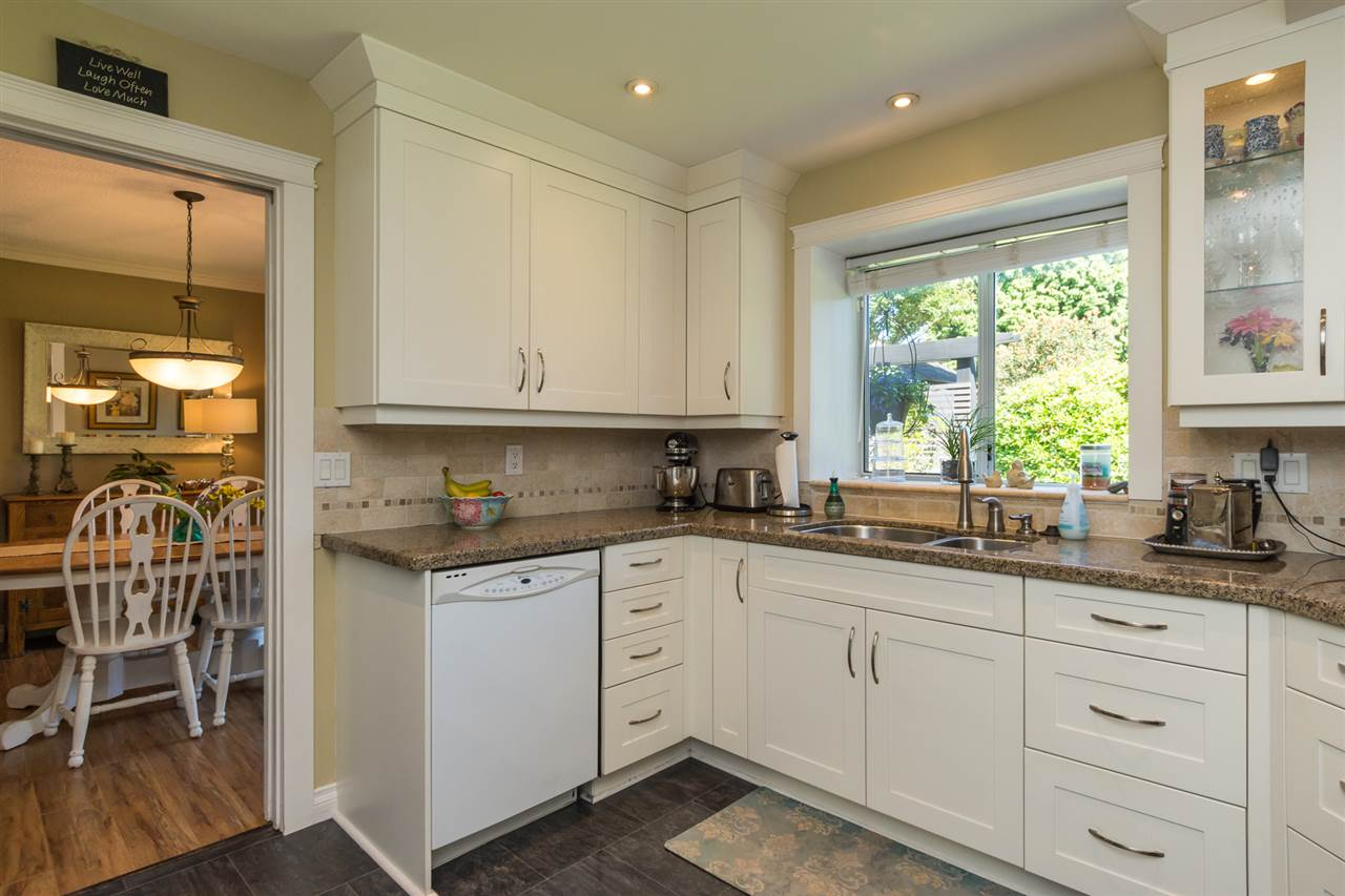 Detached at 13153 15TH AVENUE, South Surrey White Rock, British Columbia. Image 6