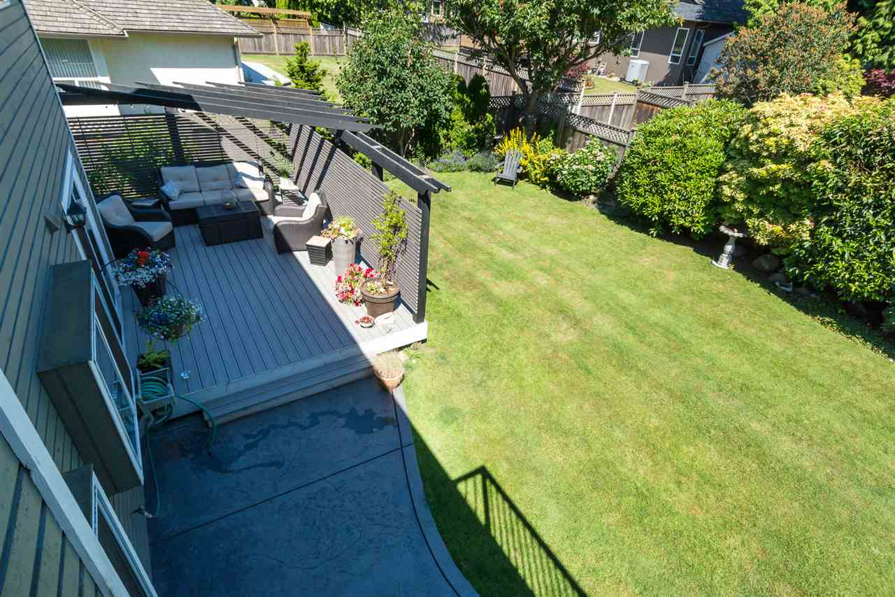 Detached at 13153 15TH AVENUE, South Surrey White Rock, British Columbia. Image 12