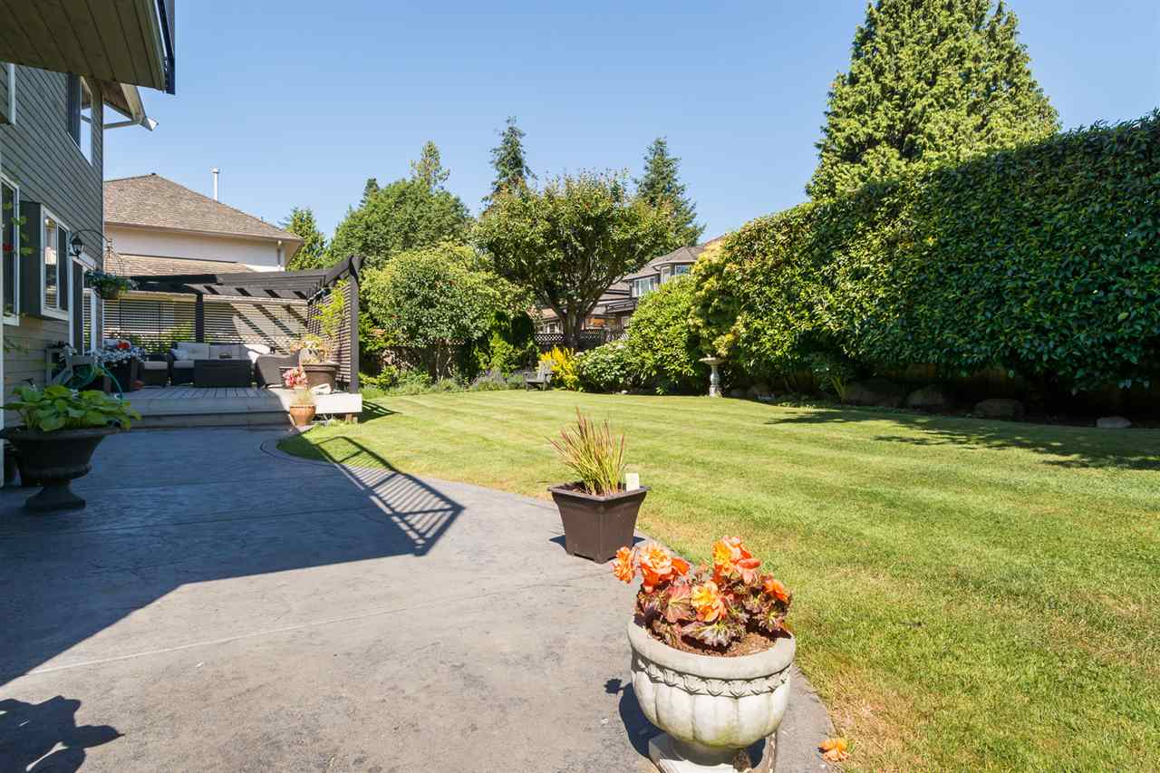 Detached at 13153 15TH AVENUE, South Surrey White Rock, British Columbia. Image 19