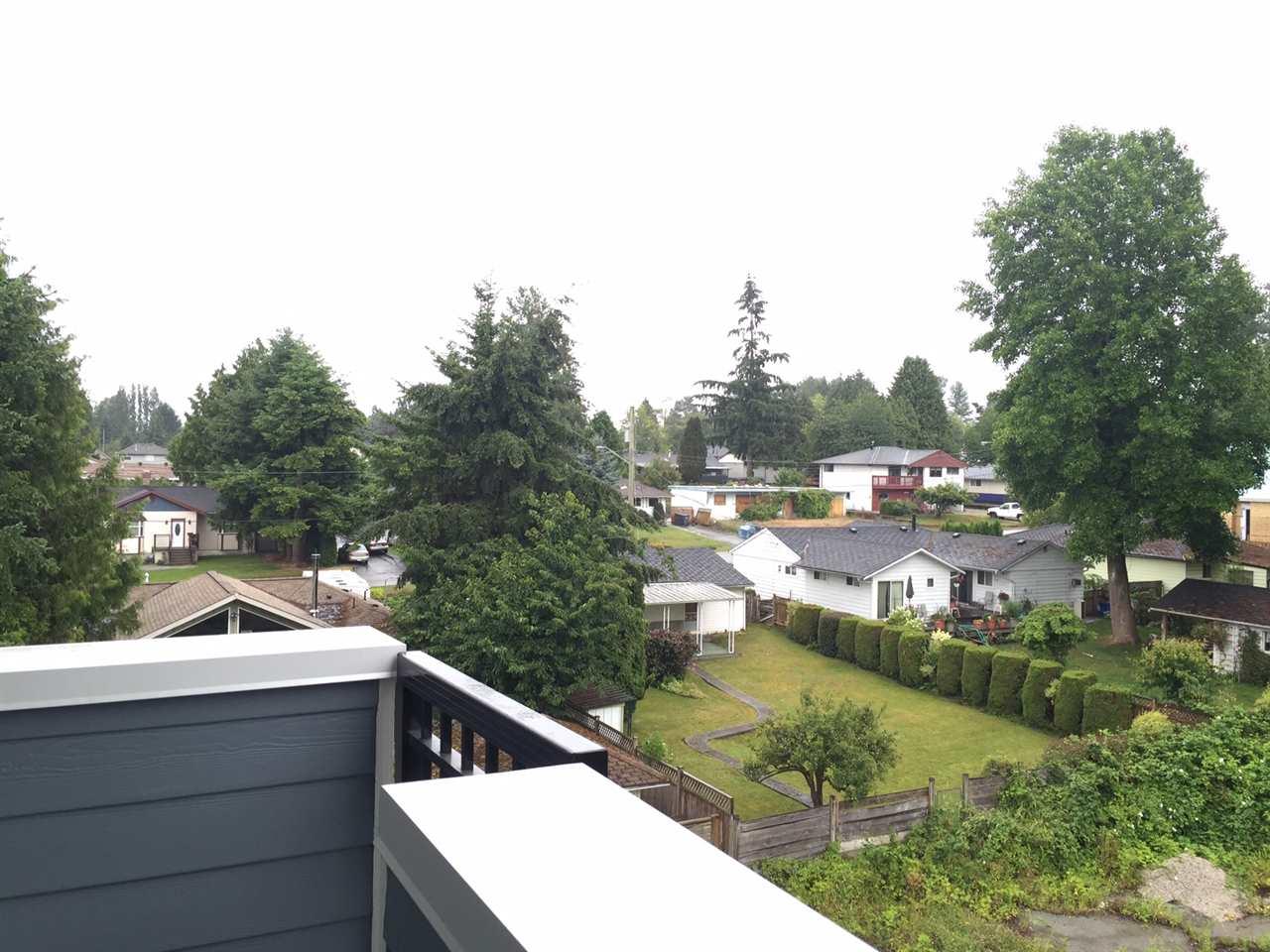 Condo Apartment at 410 13678 GROSVENOR ROAD, Unit 410, North Surrey, British Columbia. Image 2
