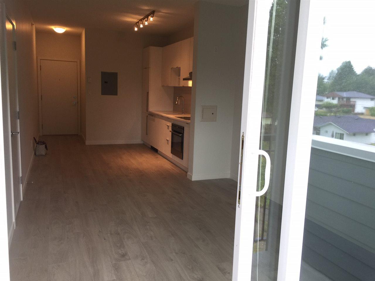 Condo Apartment at 410 13678 GROSVENOR ROAD, Unit 410, North Surrey, British Columbia. Image 4
