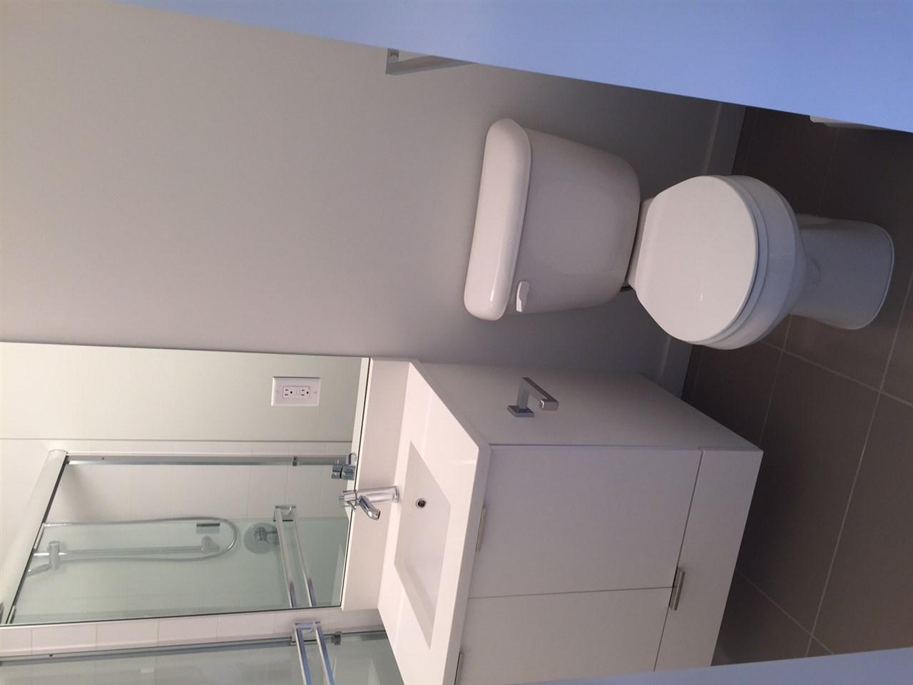 Condo Apartment at 410 13678 GROSVENOR ROAD, Unit 410, North Surrey, British Columbia. Image 11
