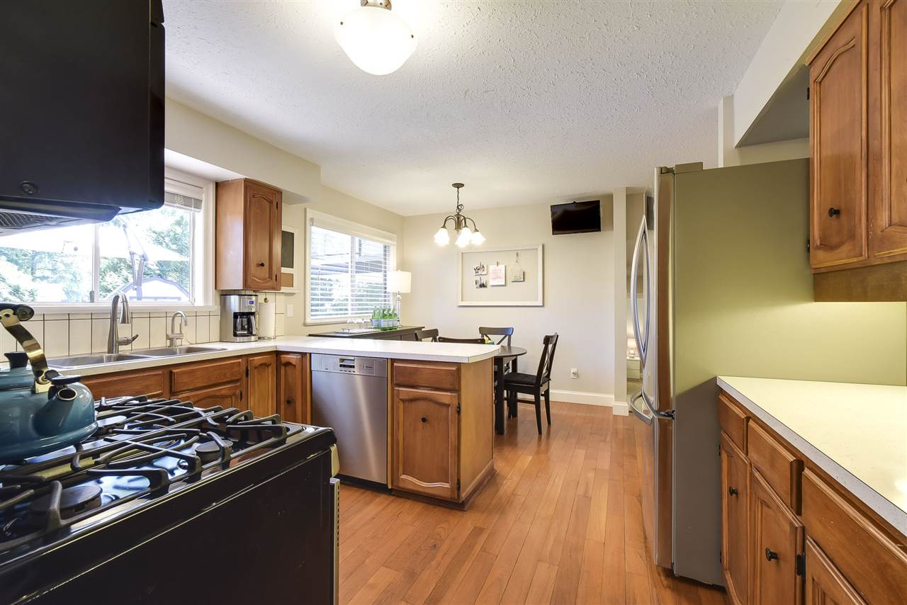 Detached at 4338 199A STREET, Langley, British Columbia. Image 6