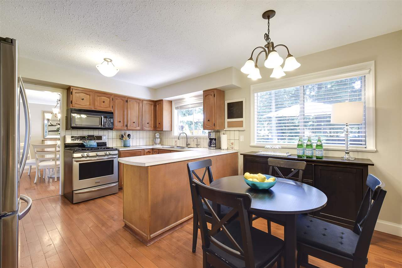 Detached at 4338 199A STREET, Langley, British Columbia. Image 7