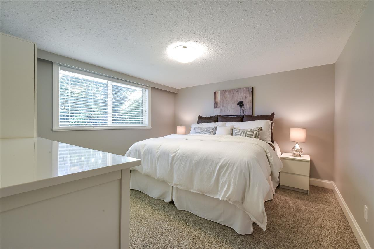 Detached at 4338 199A STREET, Langley, British Columbia. Image 12