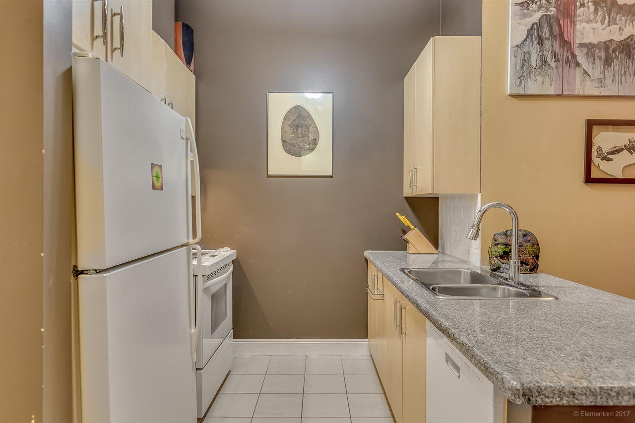 Condo Apartment at 202 7388 SANDBORNE AVENUE, Unit 202, Burnaby South, British Columbia. Image 5