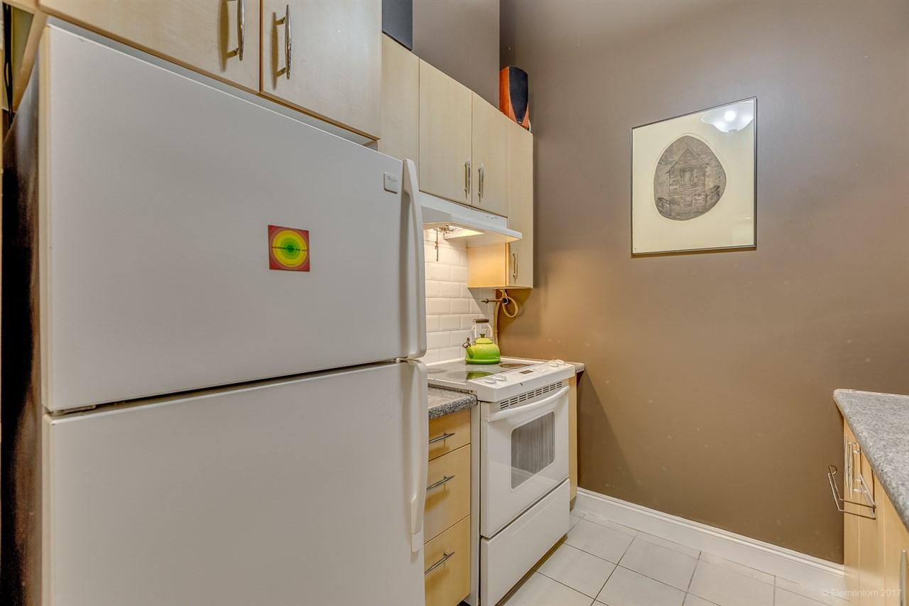 Condo Apartment at 202 7388 SANDBORNE AVENUE, Unit 202, Burnaby South, British Columbia. Image 6