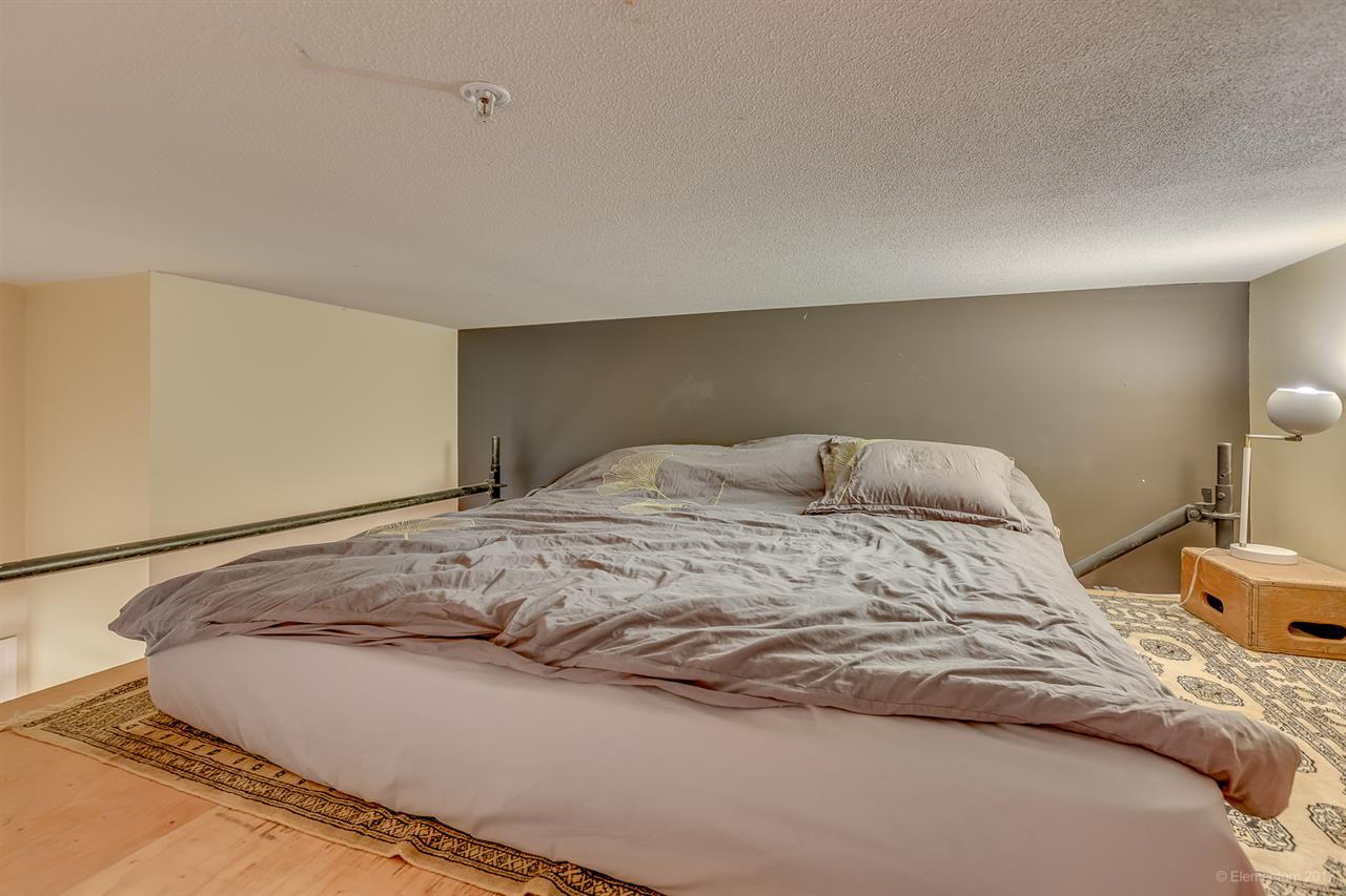 Condo Apartment at 202 7388 SANDBORNE AVENUE, Unit 202, Burnaby South, British Columbia. Image 16
