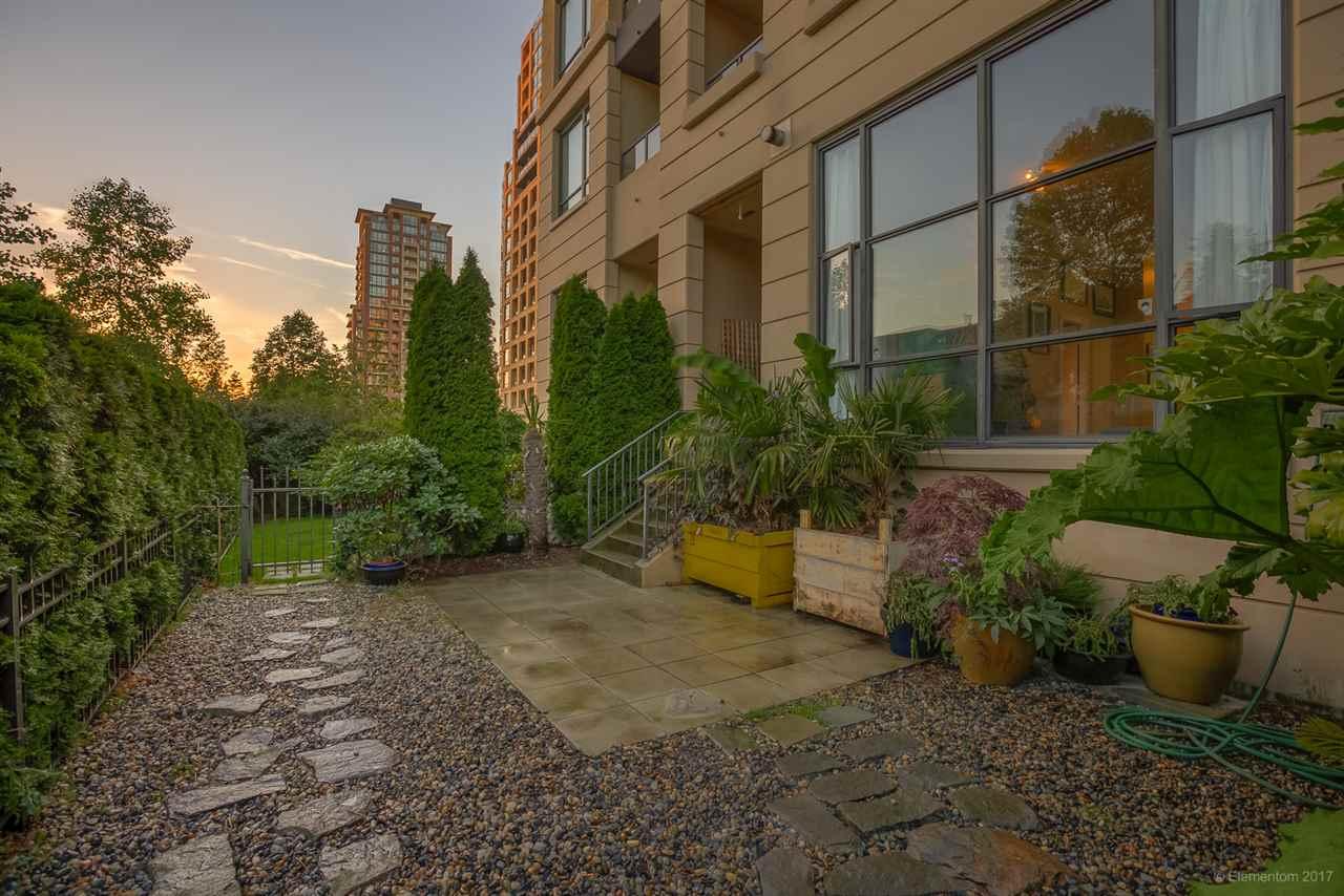 Condo Apartment at 202 7388 SANDBORNE AVENUE, Unit 202, Burnaby South, British Columbia. Image 18