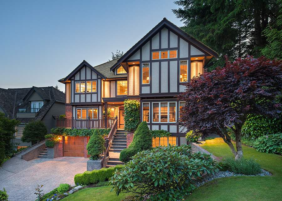 Detached at 1887 ORKNEY PLACE, North Vancouver, British Columbia. Image 1