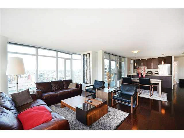 Condo Apartment at 3303 888 HOMER STREET, Unit 3303, Vancouver West, British Columbia. Image 3