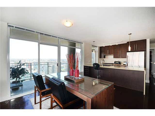 Condo Apartment at 3303 888 HOMER STREET, Unit 3303, Vancouver West, British Columbia. Image 6