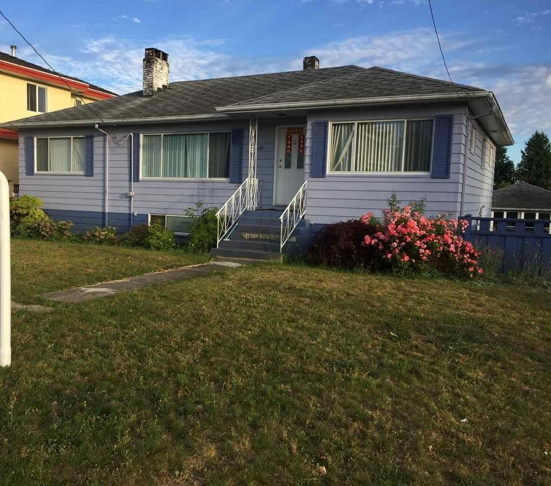 Detached at 4458 HURST STREET, Burnaby South, British Columbia. Image 2