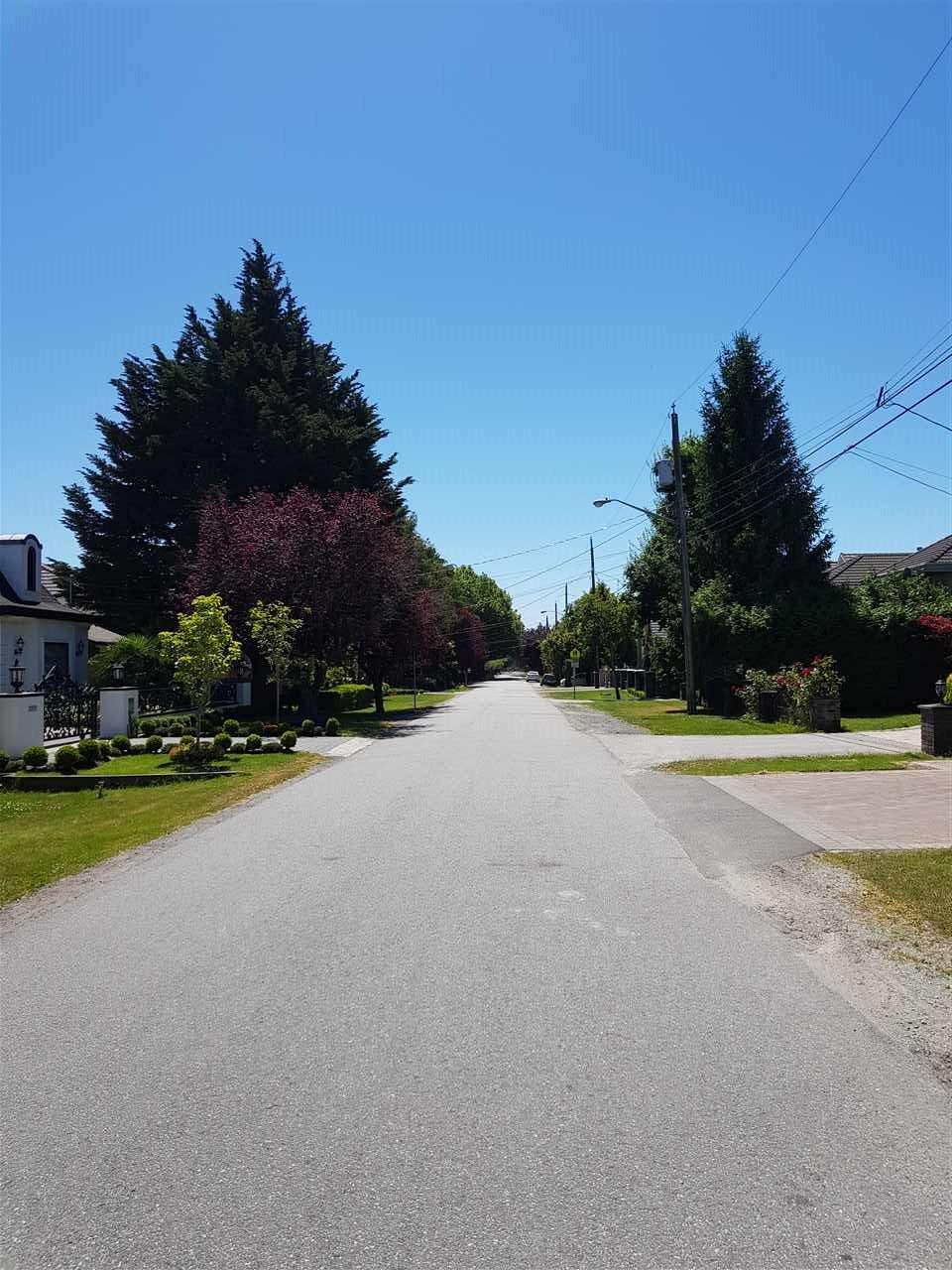 Detached at 8260 ELSMORE ROAD, Richmond, British Columbia. Image 3