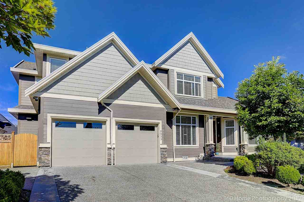 Detached at 9055 207 STREET, Langley, British Columbia. Image 2