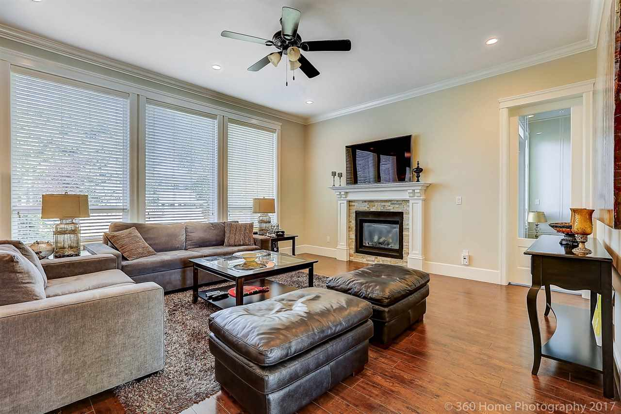Detached at 9055 207 STREET, Langley, British Columbia. Image 6