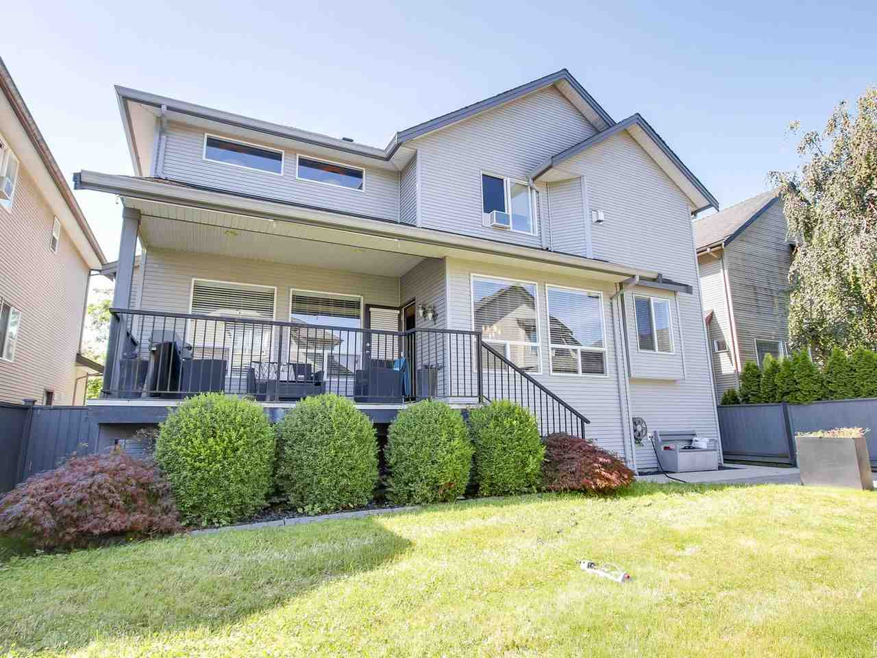 Detached at 11243 TULLY CRESCENT, Pitt Meadows, British Columbia. Image 18