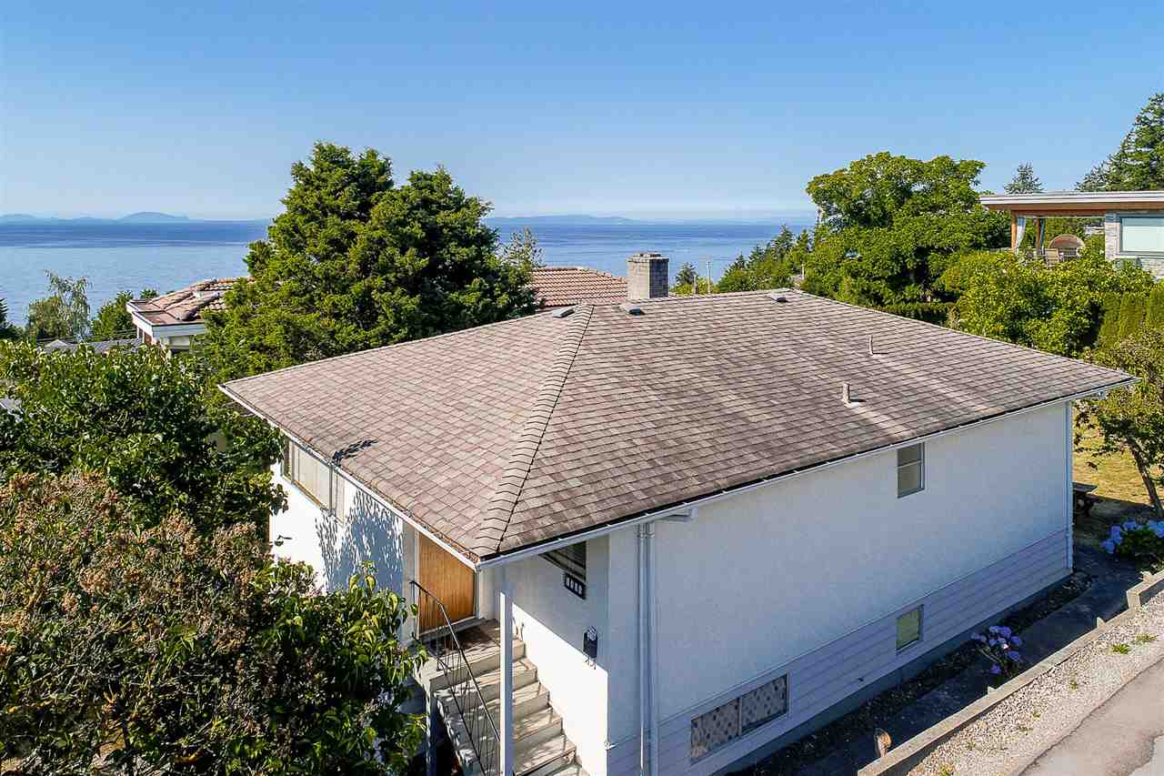 Detached at 1385 KERFOOT ROAD, South Surrey White Rock, British Columbia. Image 2