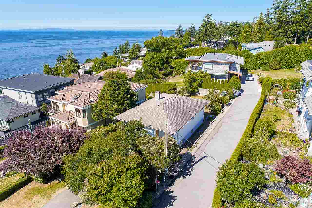 Detached at 1385 KERFOOT ROAD, South Surrey White Rock, British Columbia. Image 3