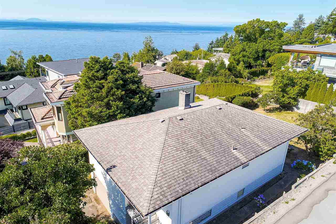 Detached at 1385 KERFOOT ROAD, South Surrey White Rock, British Columbia. Image 4