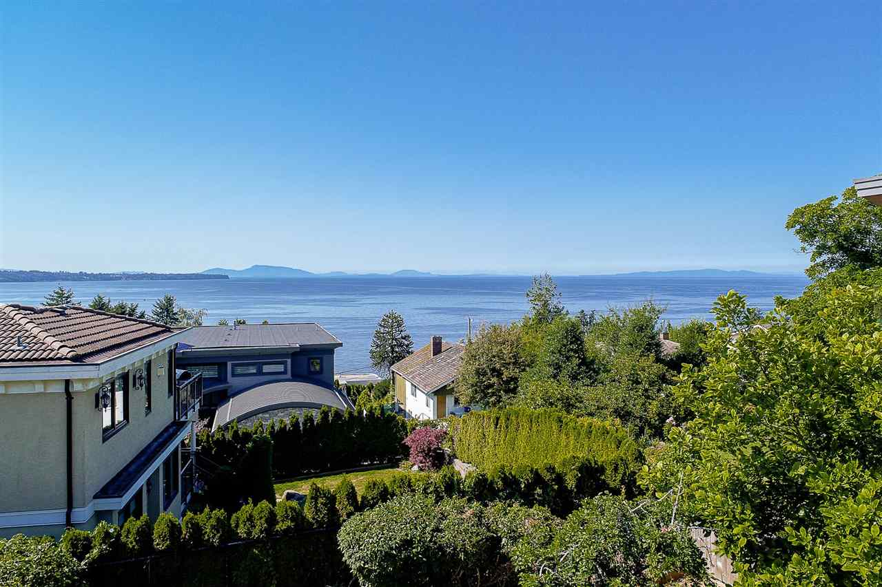 Detached at 1385 KERFOOT ROAD, South Surrey White Rock, British Columbia. Image 6