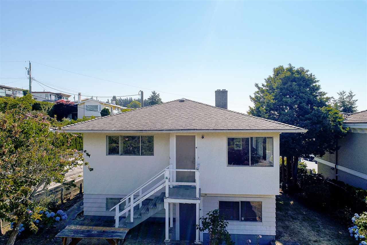 Detached at 1385 KERFOOT ROAD, South Surrey White Rock, British Columbia. Image 8