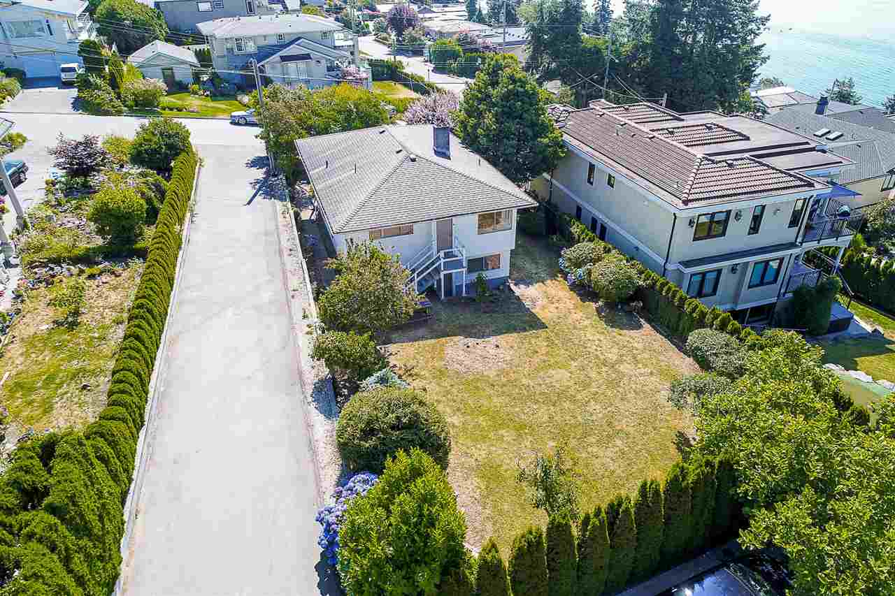 Detached at 1385 KERFOOT ROAD, South Surrey White Rock, British Columbia. Image 9