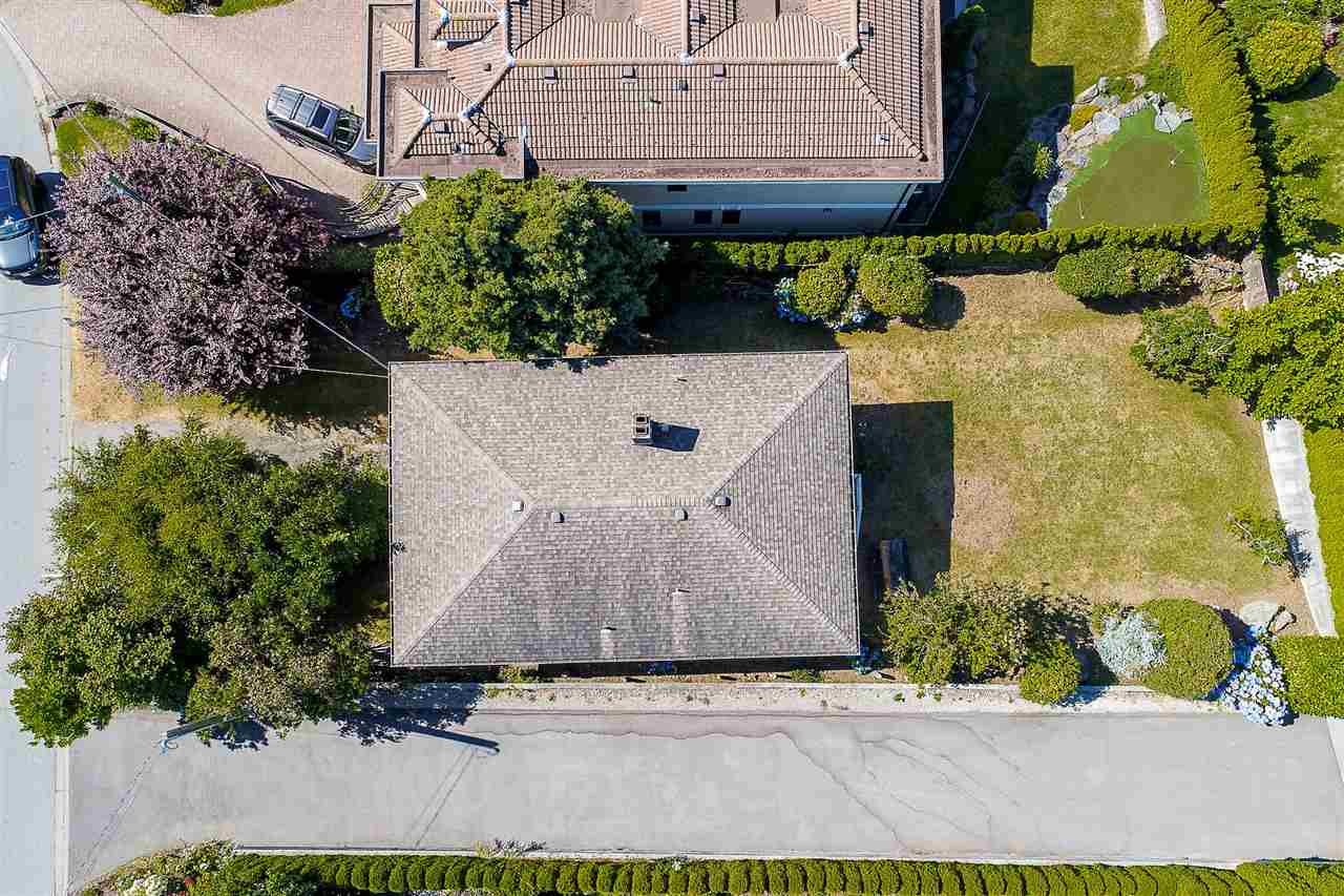 Detached at 1385 KERFOOT ROAD, South Surrey White Rock, British Columbia. Image 10