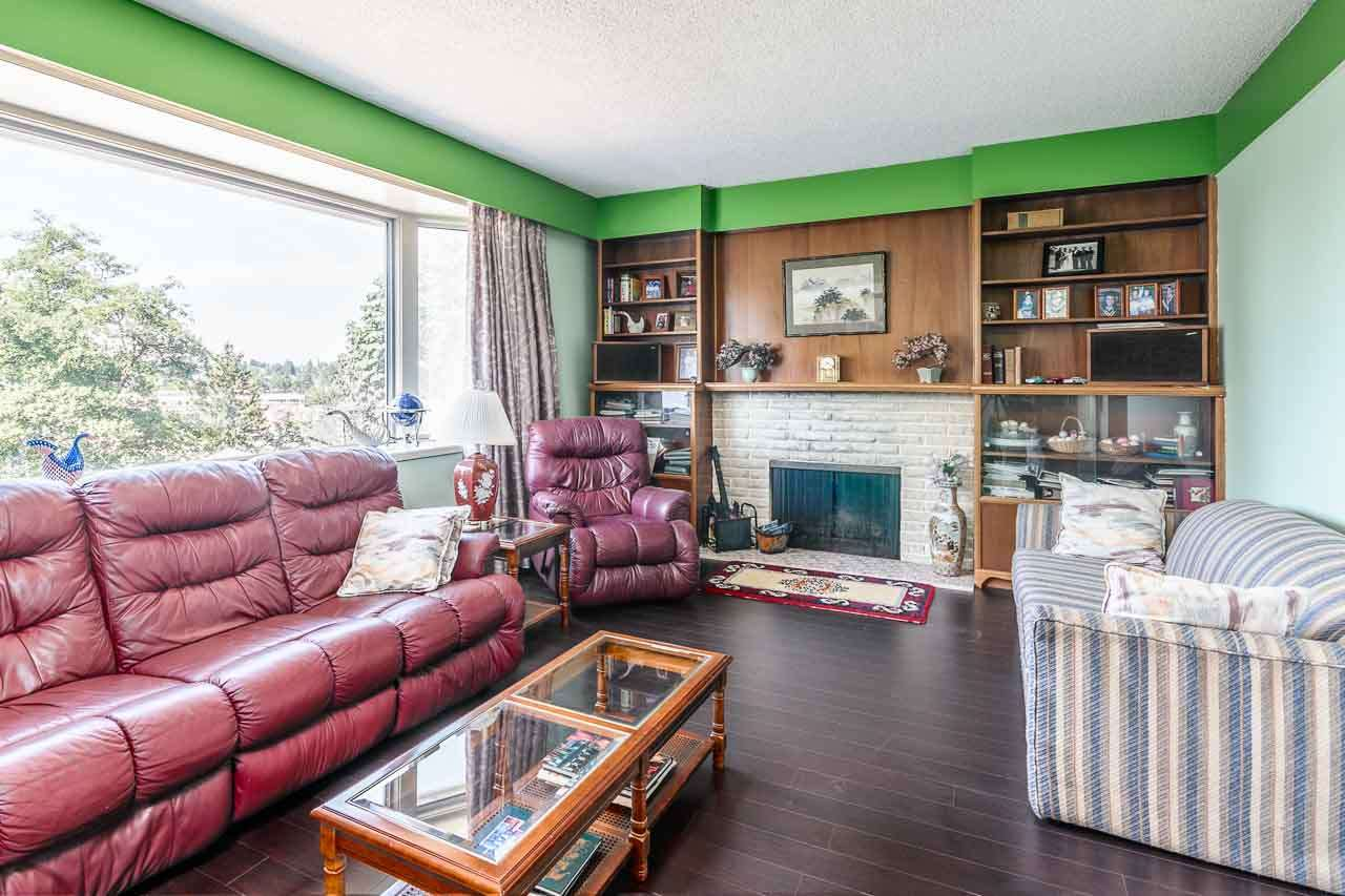 Detached at 84 MOTT CRESCENT, New Westminster, British Columbia. Image 4