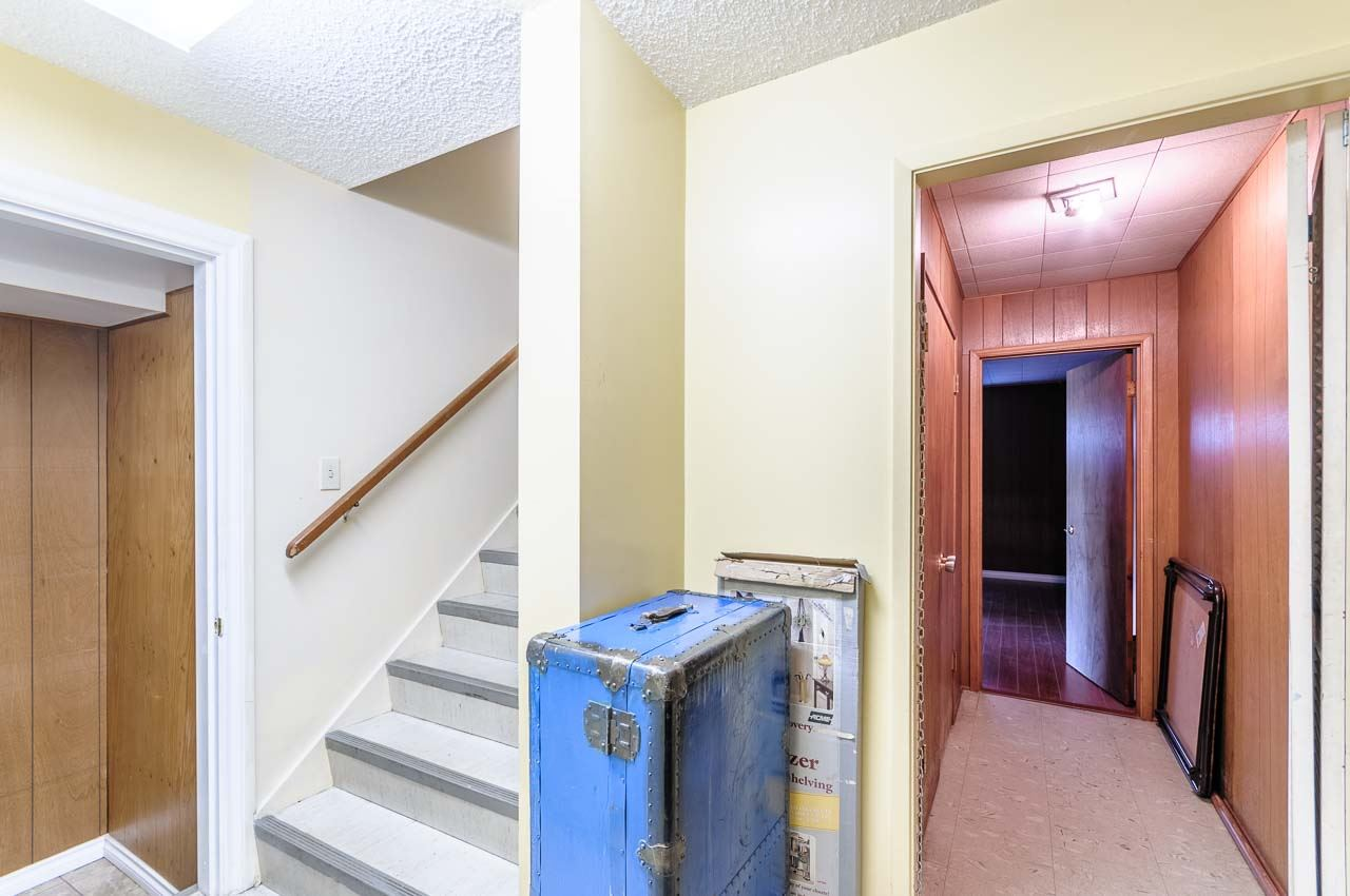 Detached at 84 MOTT CRESCENT, New Westminster, British Columbia. Image 16