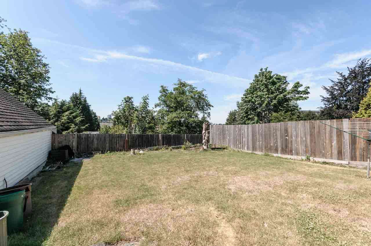 Detached at 84 MOTT CRESCENT, New Westminster, British Columbia. Image 20