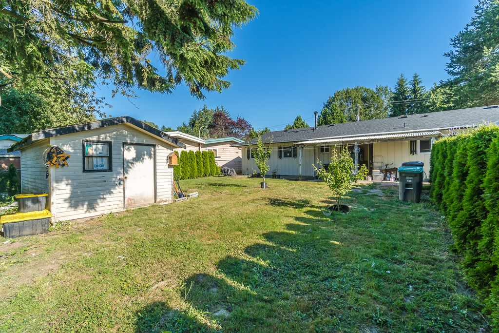 Detached at 14977 108 AVENUE, North Surrey, British Columbia. Image 17