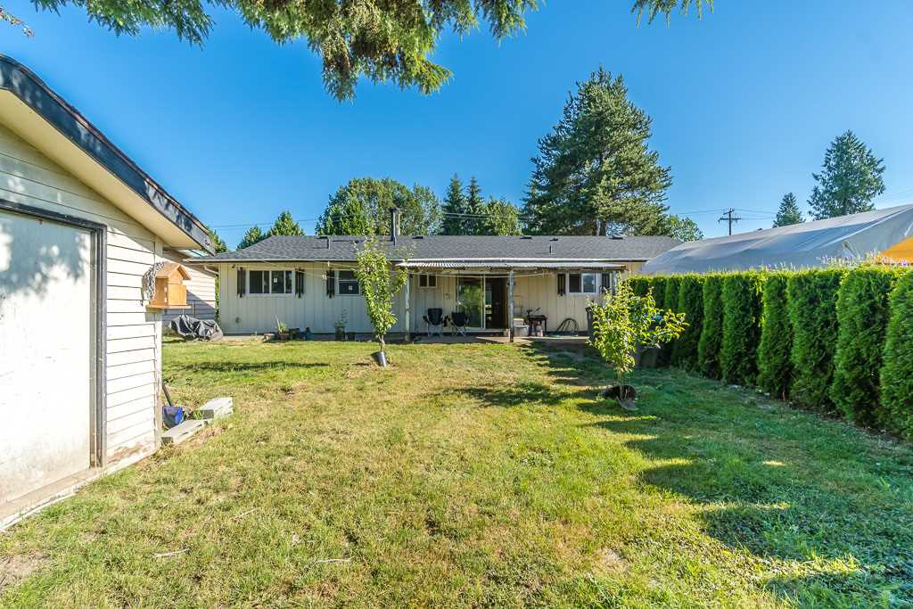 Detached at 14977 108 AVENUE, North Surrey, British Columbia. Image 18