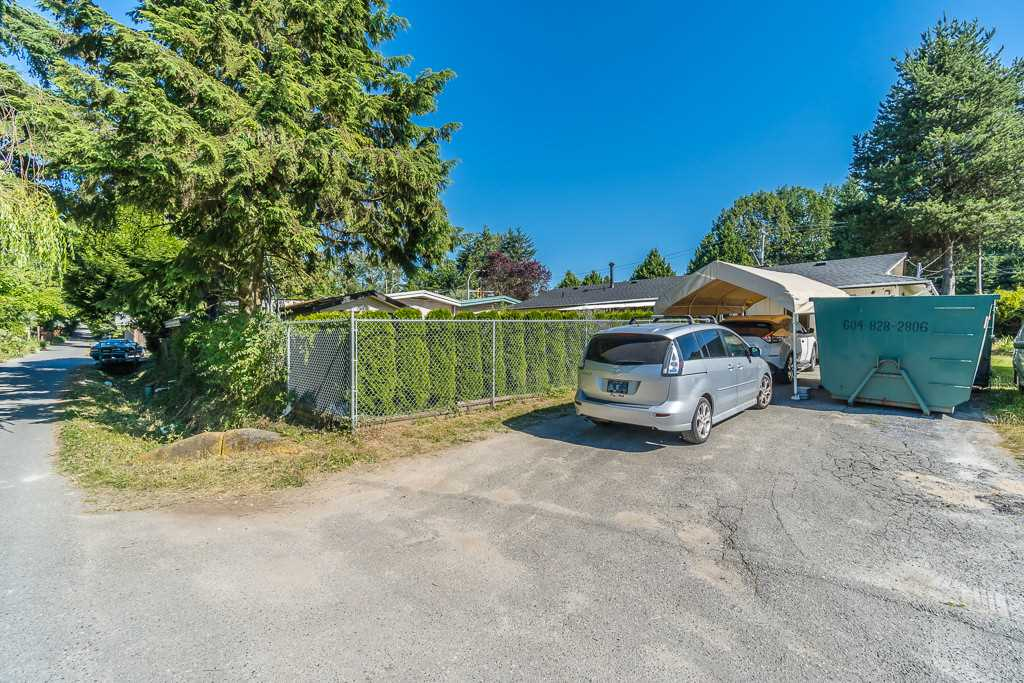 Detached at 14977 108 AVENUE, North Surrey, British Columbia. Image 20