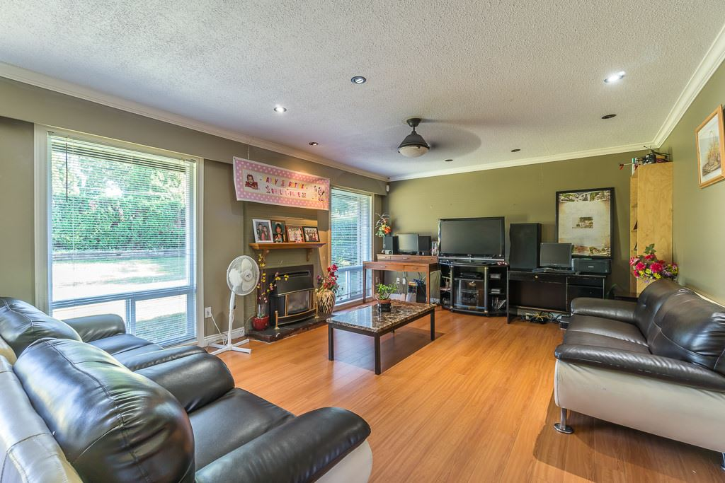 Townhouse at 14995 108 AVENUE, North Surrey, British Columbia. Image 3