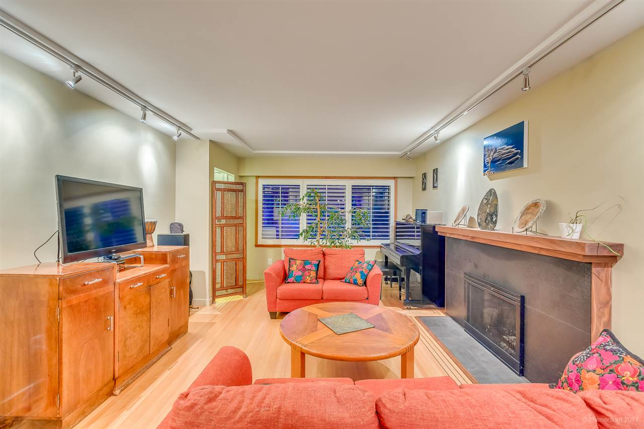Detached at 2291 GRANT STREET, Vancouver East, British Columbia. Image 2