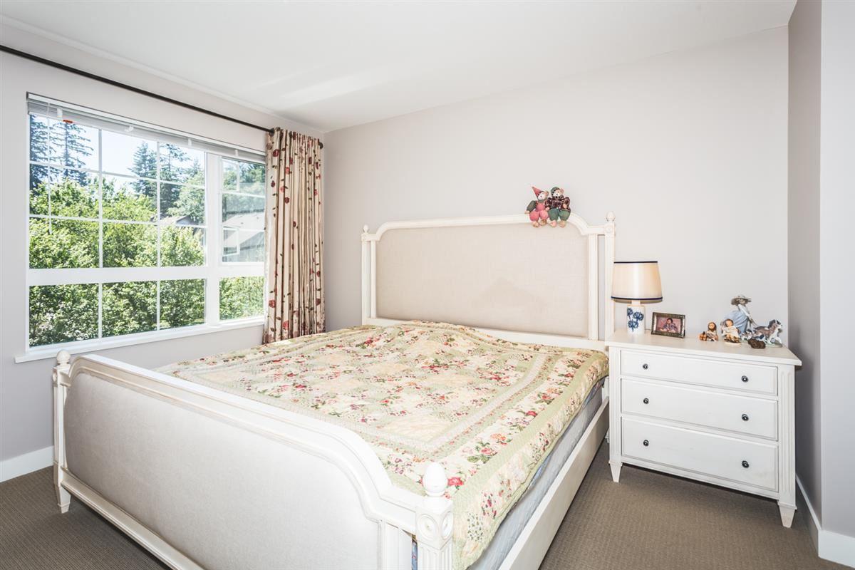 Condo Apartment at 302 2940 KING GEORGE BOULEVARD, Unit 302, South Surrey White Rock, British Columbia. Image 6