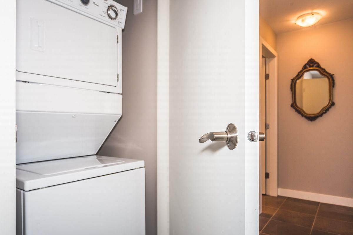 Condo Apartment at 302 2940 KING GEORGE BOULEVARD, Unit 302, South Surrey White Rock, British Columbia. Image 18