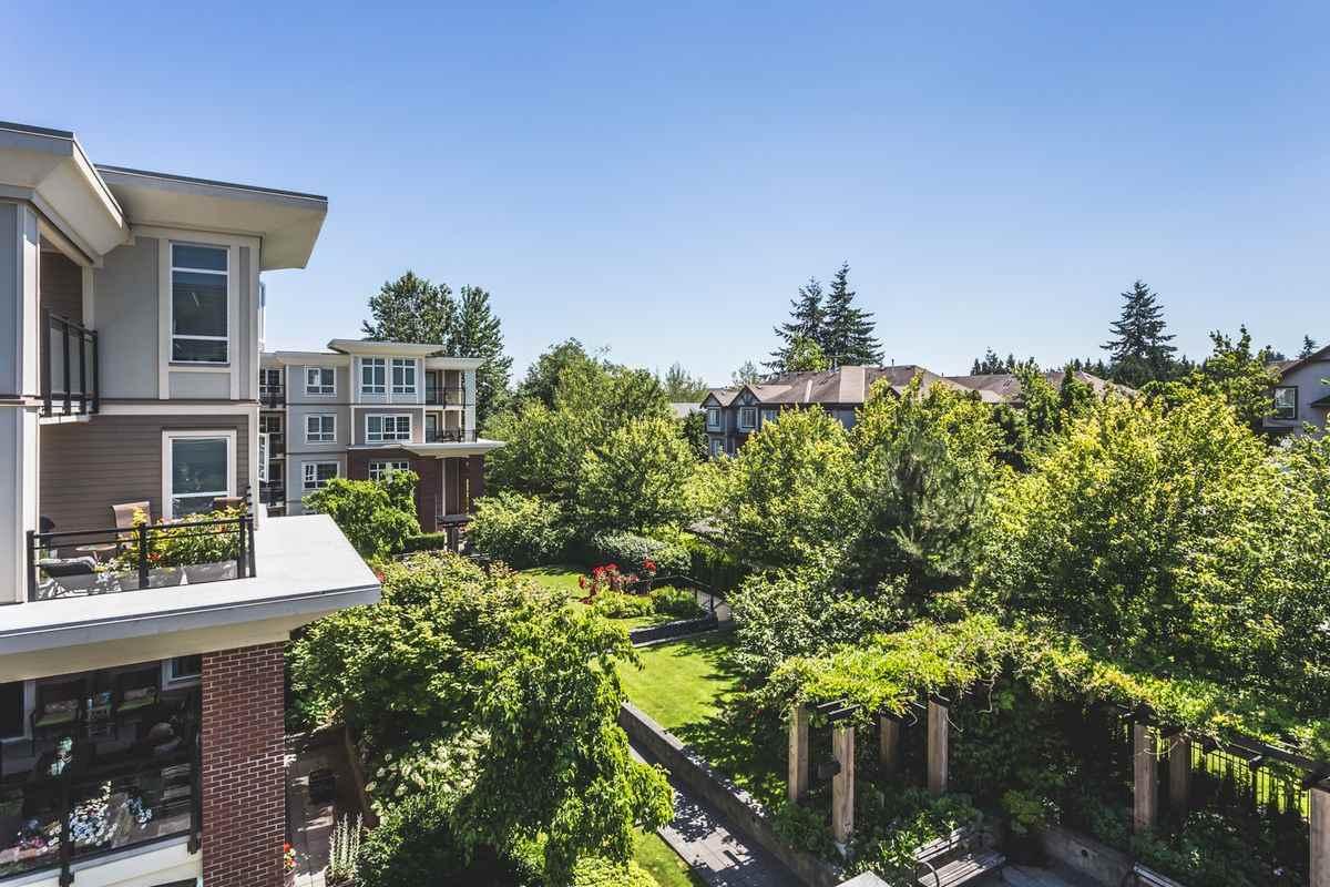 Condo Apartment at 302 2940 KING GEORGE BOULEVARD, Unit 302, South Surrey White Rock, British Columbia. Image 20