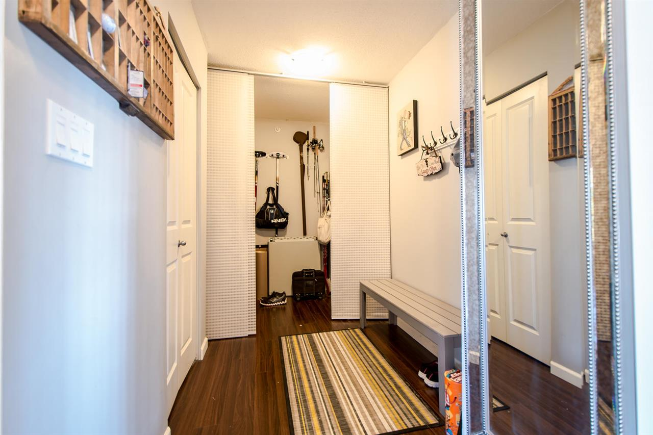 Condo Apartment at 801 610 VICTORIA STREET, Unit 801, New Westminster, British Columbia. Image 3