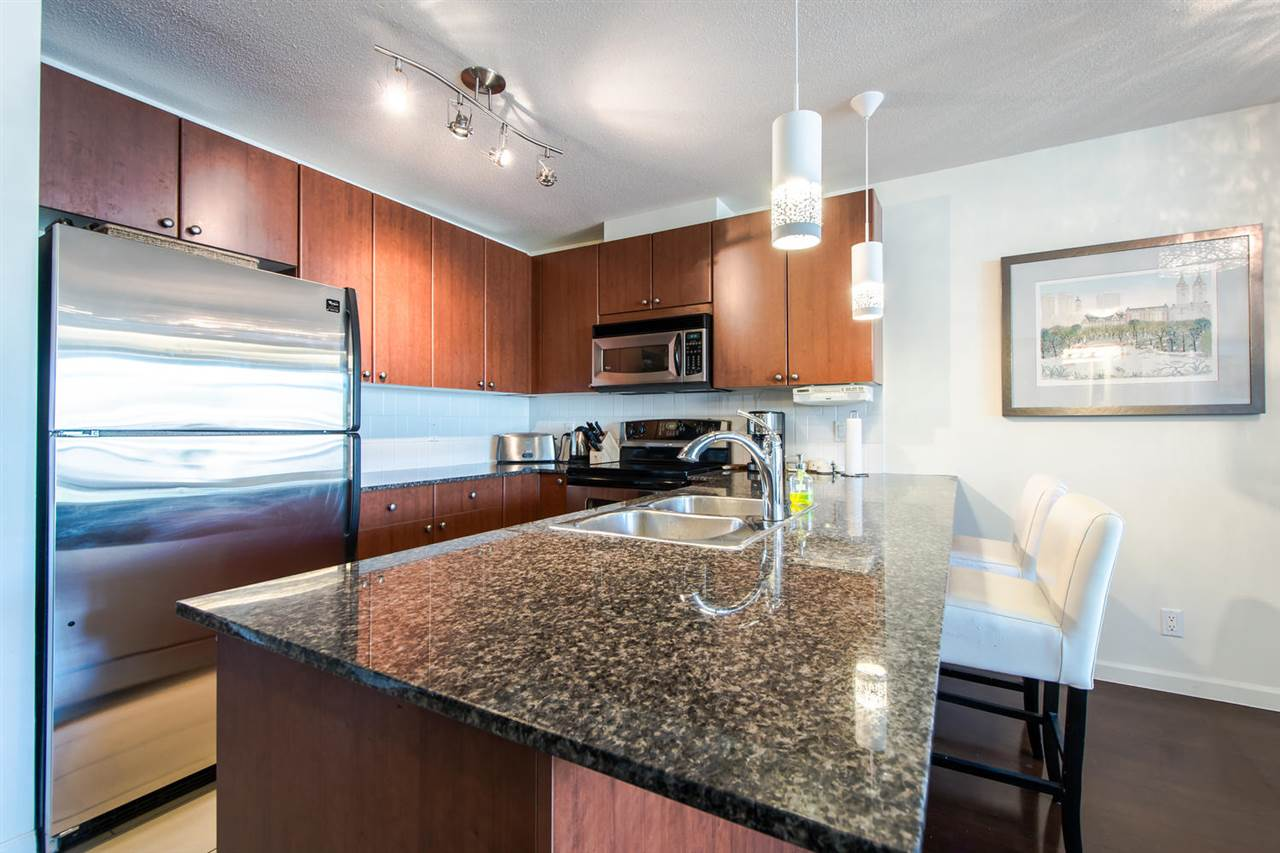 Condo Apartment at 801 610 VICTORIA STREET, Unit 801, New Westminster, British Columbia. Image 4