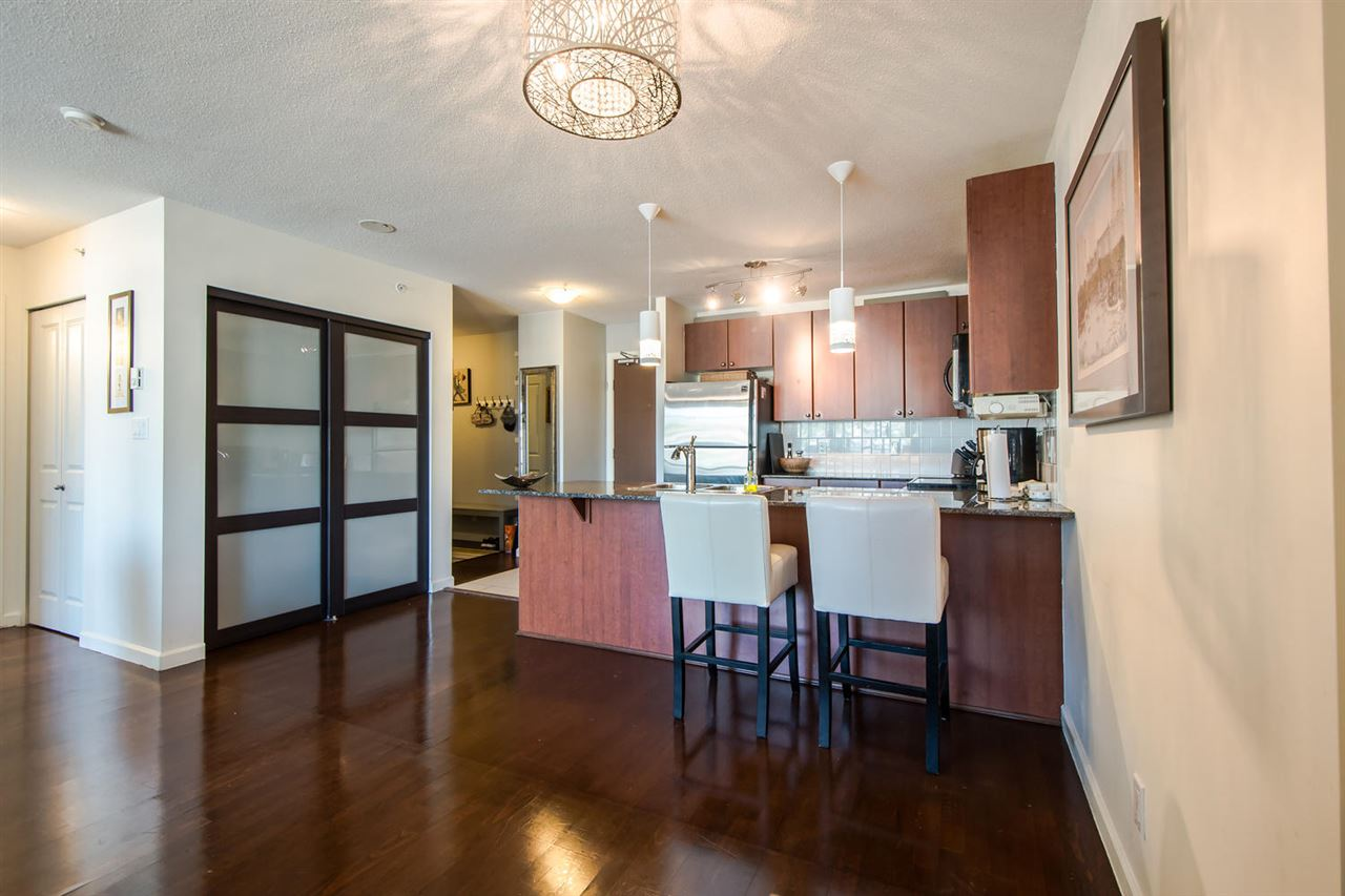 Condo Apartment at 801 610 VICTORIA STREET, Unit 801, New Westminster, British Columbia. Image 5