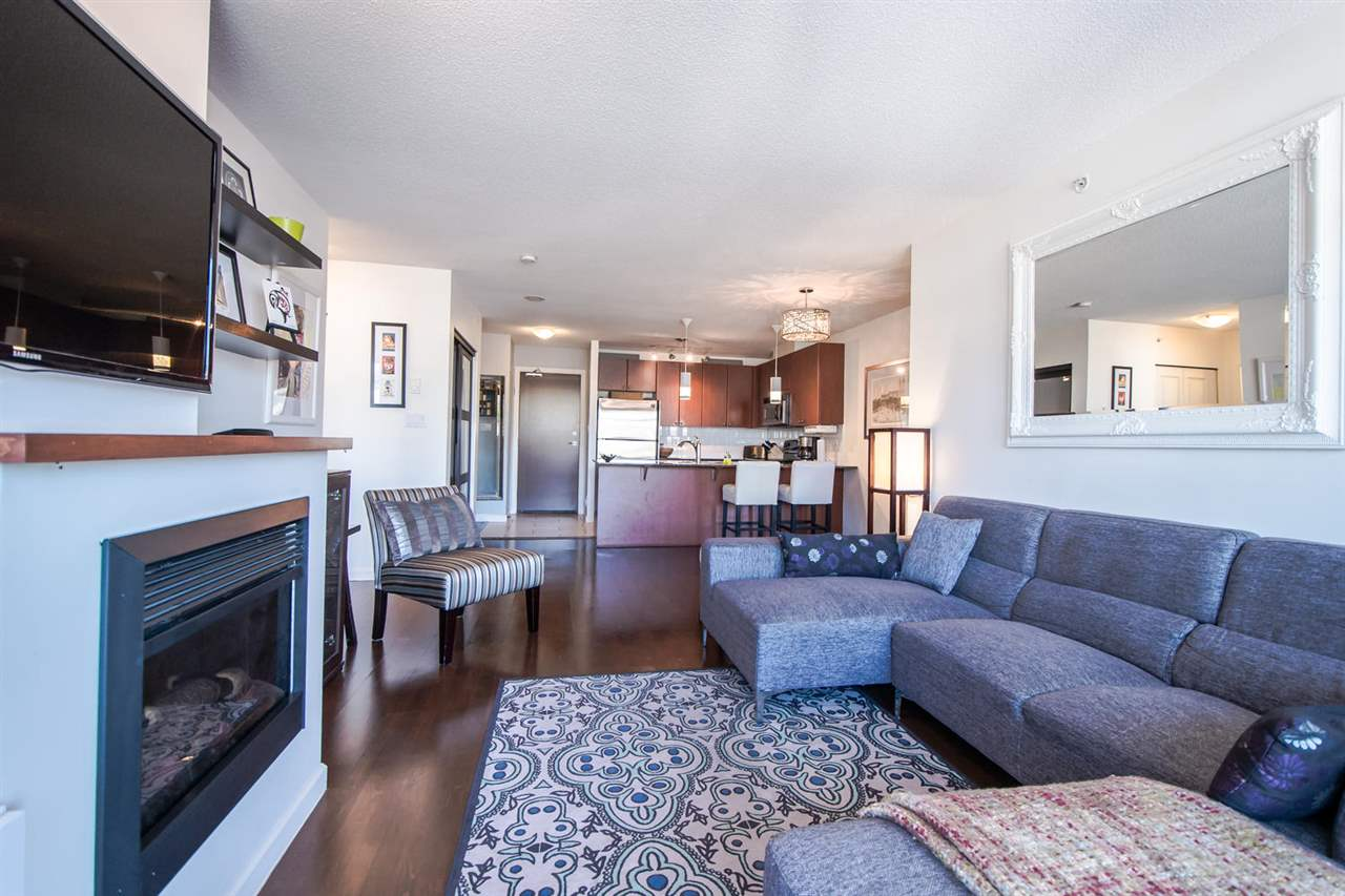 Condo Apartment at 801 610 VICTORIA STREET, Unit 801, New Westminster, British Columbia. Image 6