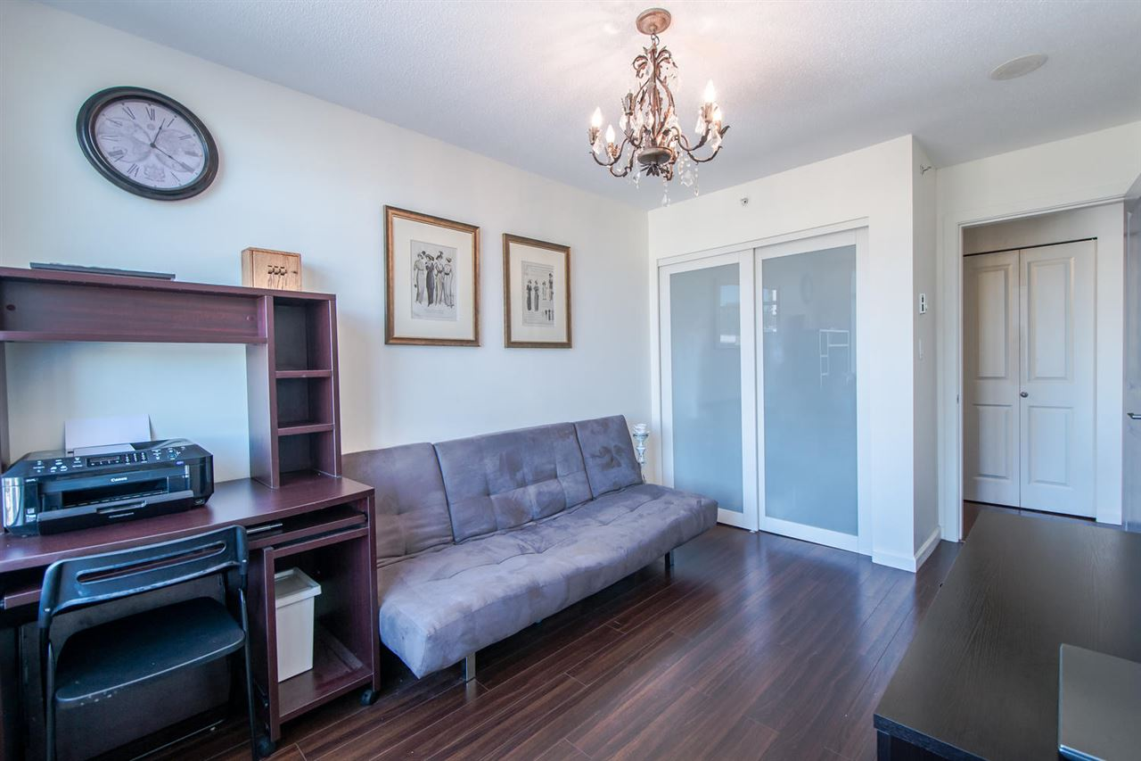 Condo Apartment at 801 610 VICTORIA STREET, Unit 801, New Westminster, British Columbia. Image 9