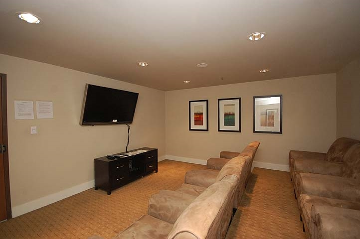 Condo Apartment at 801 610 VICTORIA STREET, Unit 801, New Westminster, British Columbia. Image 18