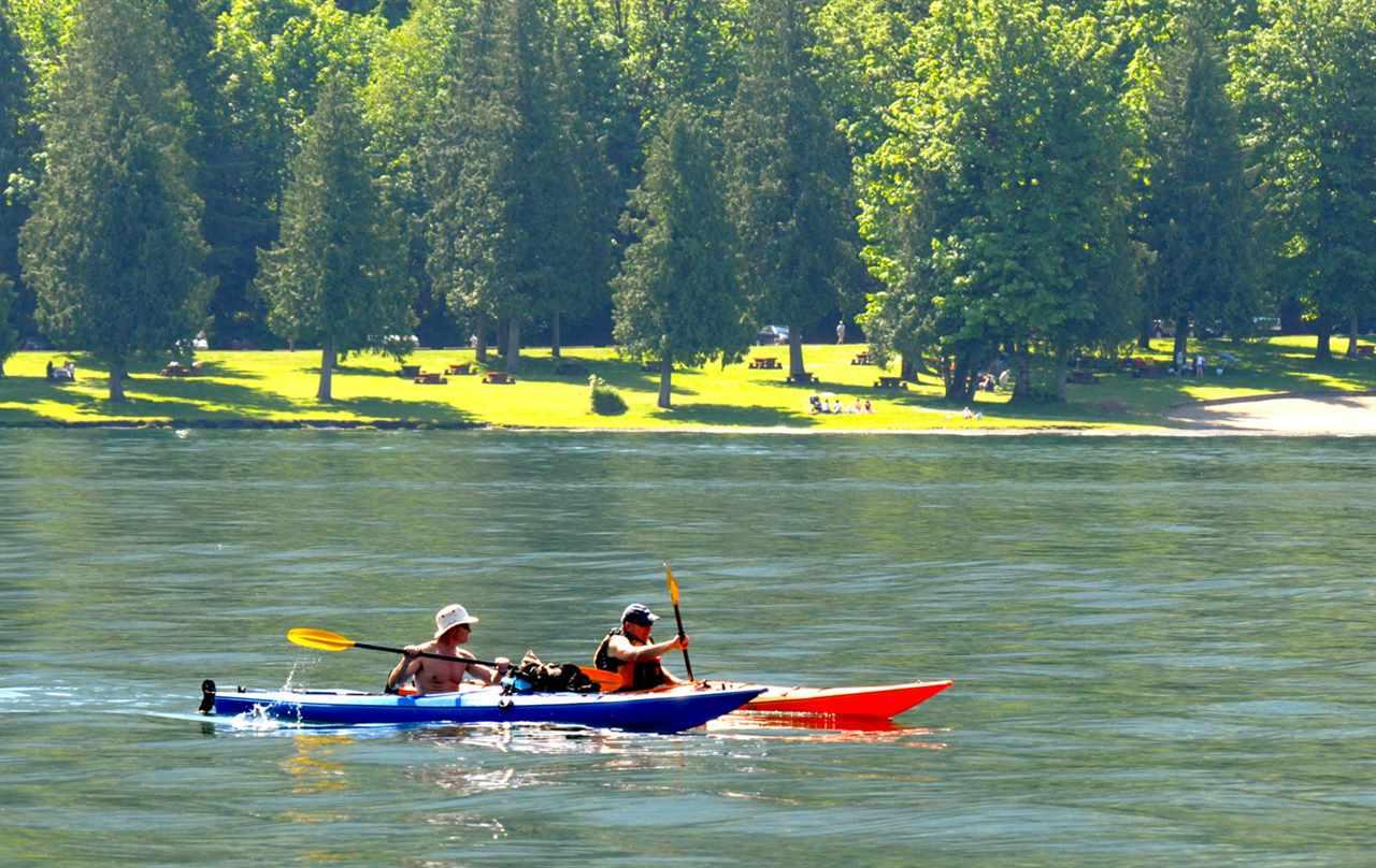 Detached at 42 1858 COLUMBIA VALLEY ROAD, Unit 42, Cultus Lake, British Columbia. Image 4