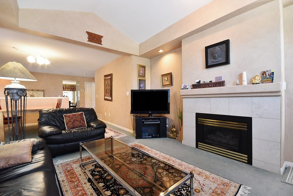 Townhouse at 39 32777 CHILCOTIN DRIVE, Unit 39, Abbotsford, British Columbia. Image 4