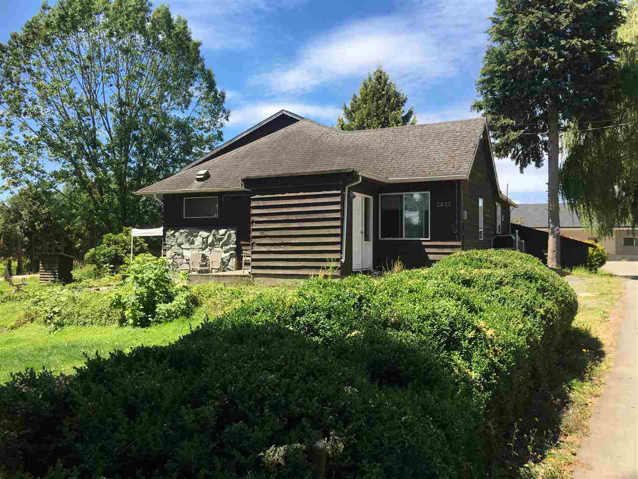 Detached at 2825 256 STREET, Langley, British Columbia. Image 3