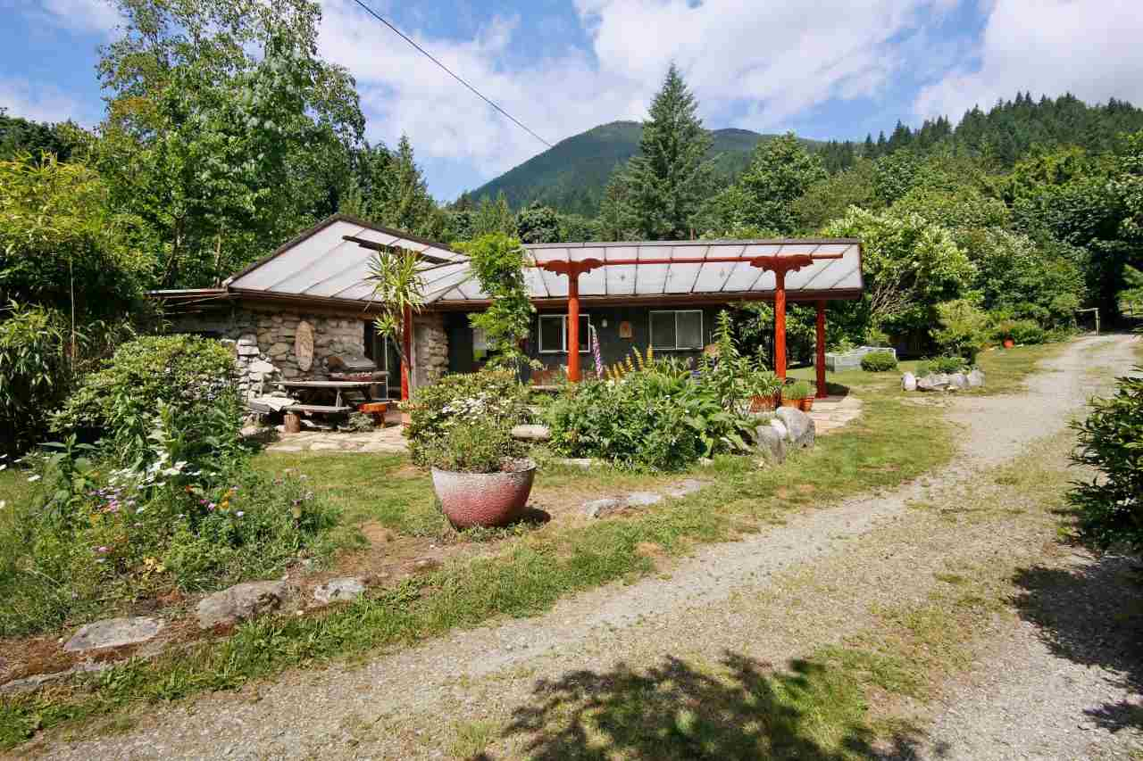 Detached at 41401 MORTON ROAD, Mission, British Columbia. Image 1